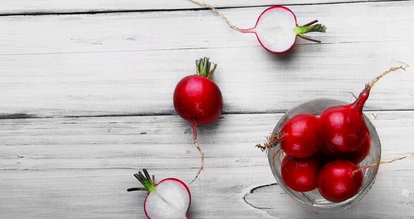 I ravanelli e le loro capacità dimagranti, tutti i motivi per mangiare abitualmente questi ortaggi